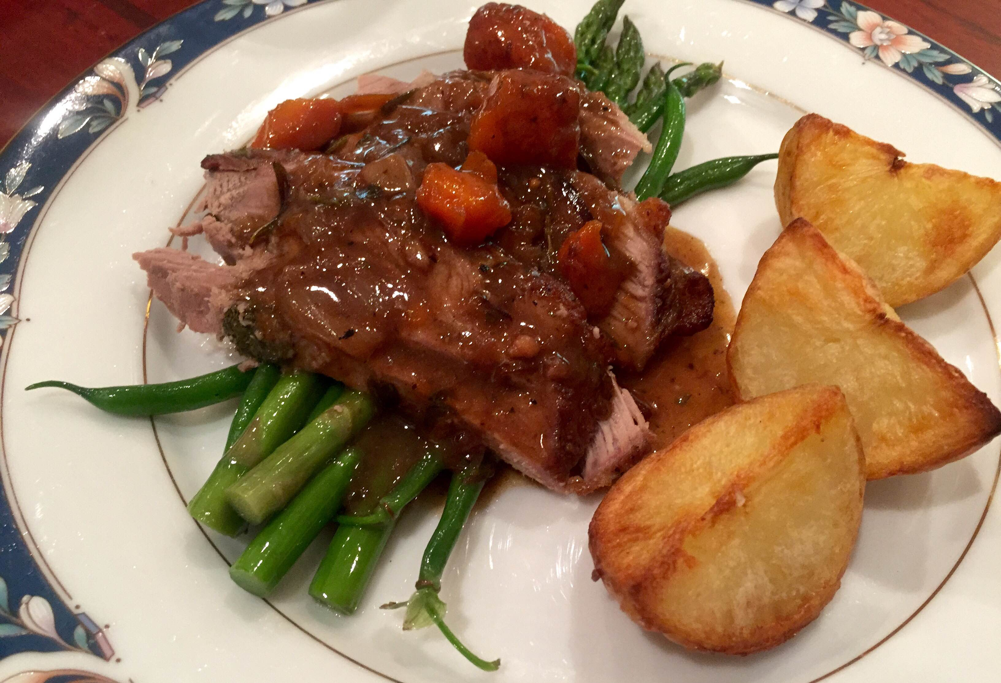 Roast leg of lamb crispy potatoes gravy young and hungry for Best gravy for lamb